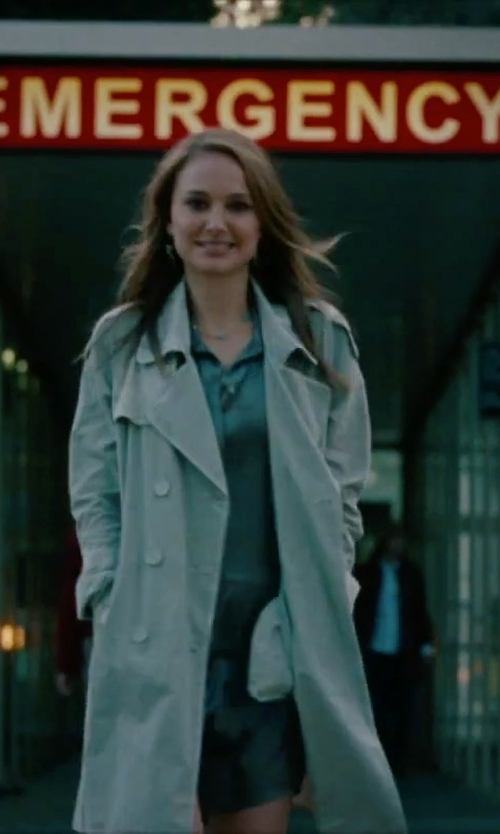 Natalie Portman with Burberry London Trench Coat in No Strings Attached