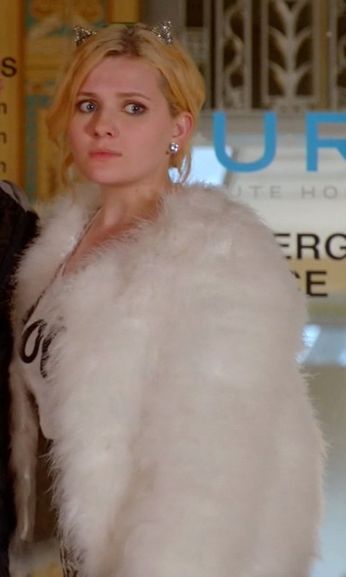 Abigail Breslin with Elliatt Moment Rabbit Fur Jacket in Scream Queens