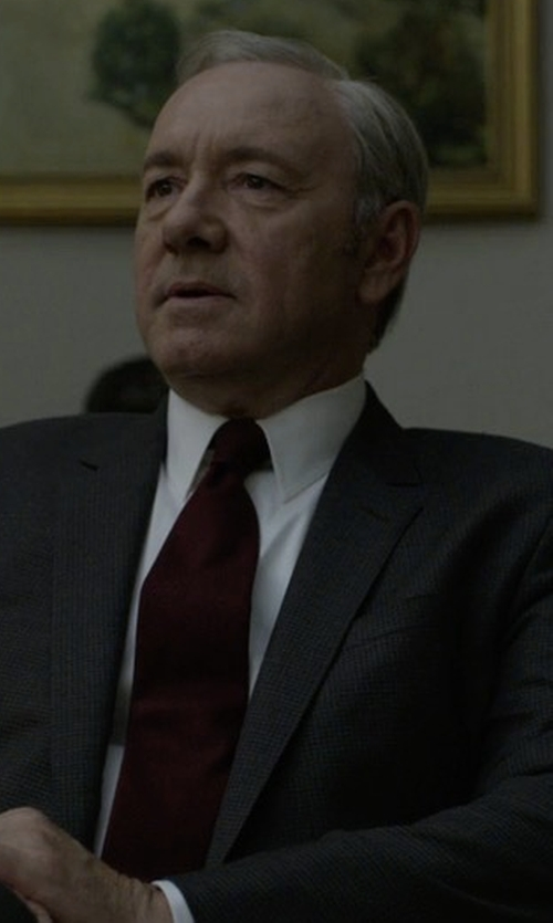 Kevin Spacey with Armani Collezioni Melange Silk Tie in House of Cards
