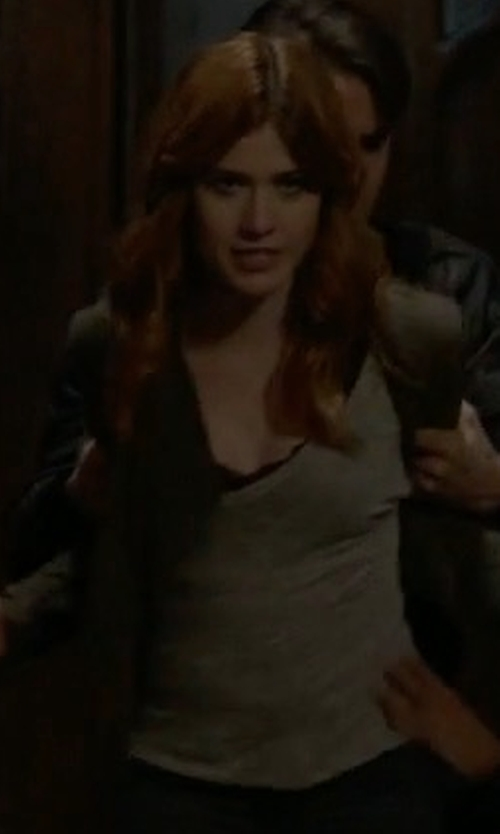 Katherine McNamara with Community Stilpo T-Shirt in Shadowhunters