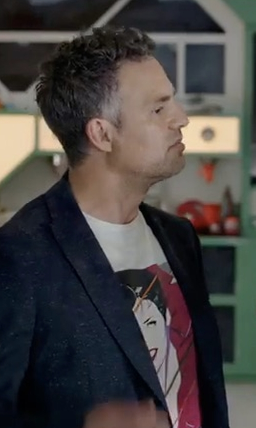 Mark Ruffalo with Pierre Balmain Logo Graphic Short-Sleeve T-Shirt in Thor: Ragnarok