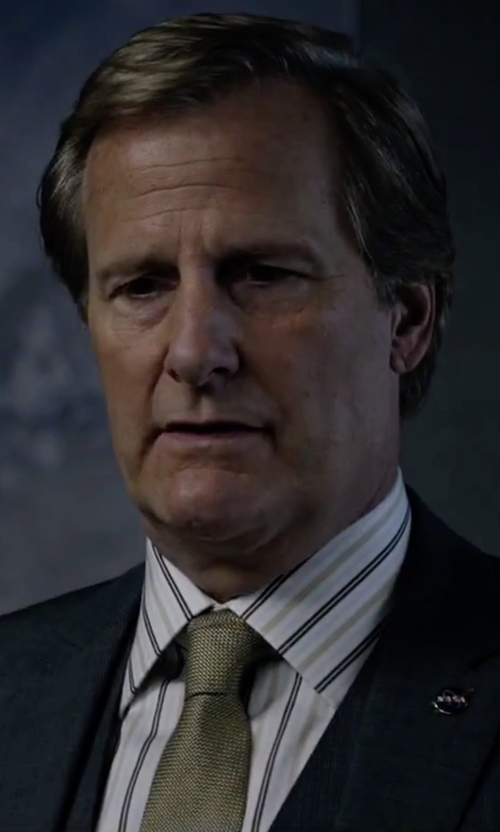 Jeff Daniels with Valentino Embroidered Tie in The Martian