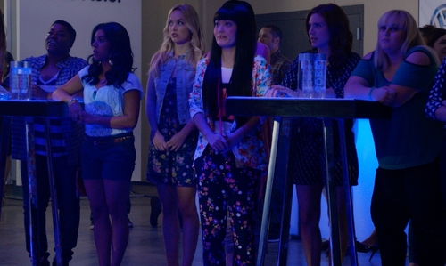 Hana Mae Lee with Juicy Couture Silk Pansy Meadow Pant in Pitch Perfect 2