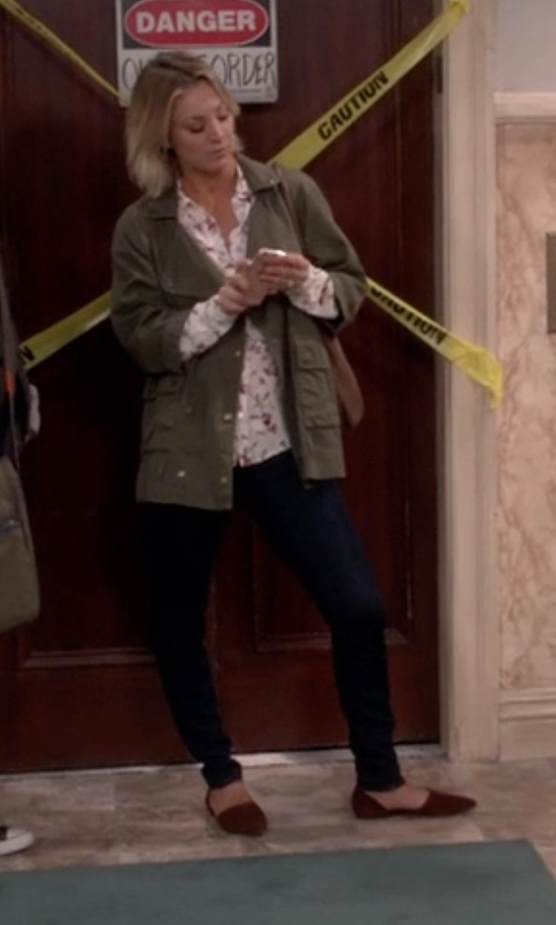 Kaley Cuoco-Sweeting with Vince Nina D'Orsay Flat Shoes in The Big Bang Theory