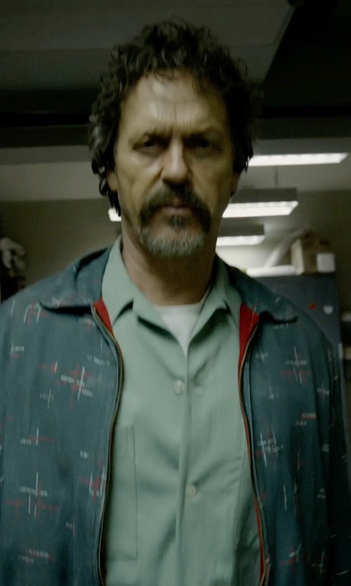 Michael Keaton with Scout Tail Drop Tee in White in Birdman