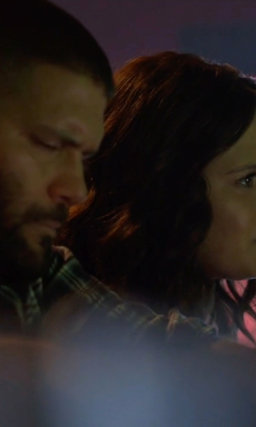 Guillermo Díaz with Gitman Brothers Vintage Plaid Button Down Shirt in Scandal