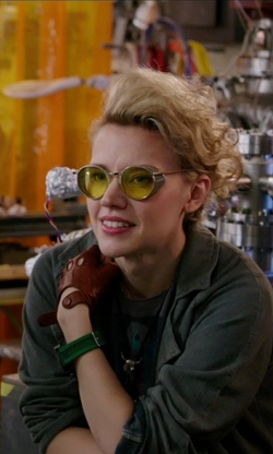 Kate McKinnon with Spitfire PR 52 Sunglasses in Ghostbusters (2016)