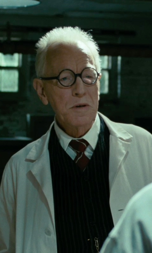Max von Sydow with Canali Striped Silk Tie in Shutter Island