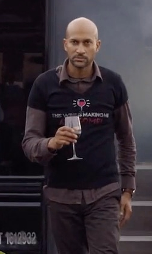 Keegan-Michael Key with VinciTorio's Ristorante Shop Awesome T-Shirt in Friends From College