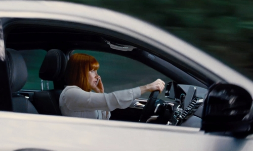 Bryce Dallas Howard with Mercedes-Benz GLE Coupé in Jurassic World