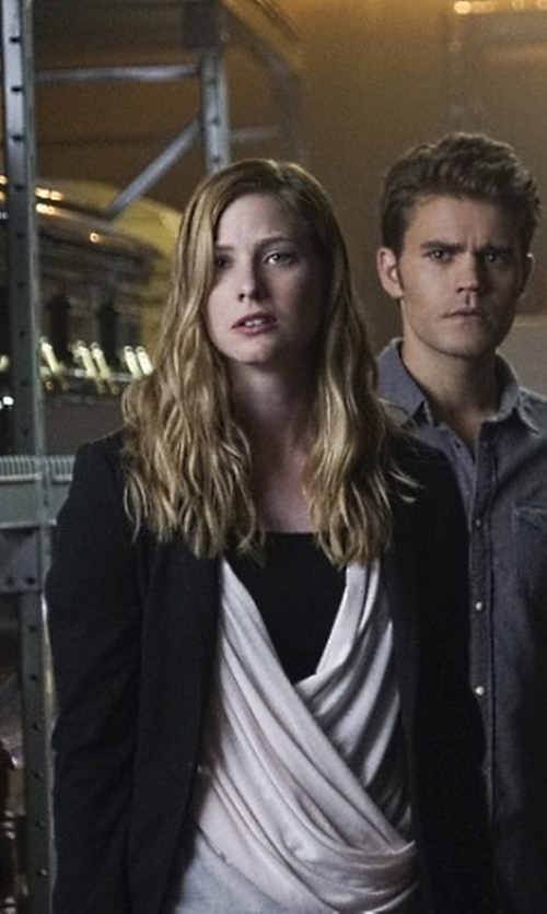 Elizabeth Blackmore with Wyatt Knit Single-Button Boyfriend Blazer in The Vampire Diaries