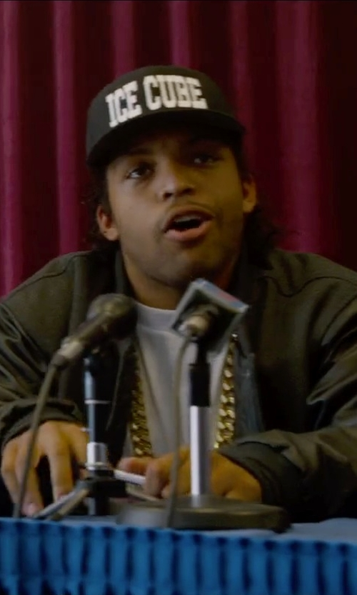 O'Shea Jackson Jr. with H.H.B Jumbo Cuban Chain Necklace in Straight Outta Compton