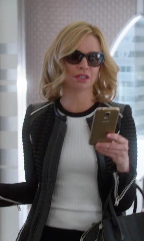 Calista Flockhart with Smith Optics 'Sidney' Polarized Cat Eye Sunglasses in Supergirl