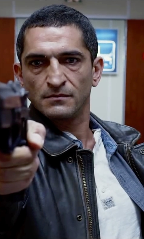Amr Waked with Stafford Travel Performance Super Shirt in Lucy