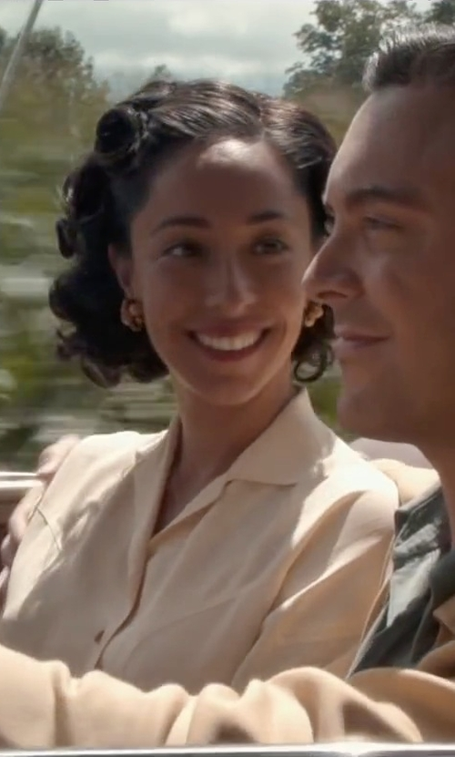 Oona Chaplin with Rosantica Daisy Pearl Clip Earrings in The Longest Ride