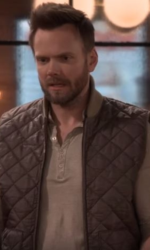 Joel McHale with Bulwark  Men's IQ Series Long Sleeve Comfort Knit Henley in The Great Indoors