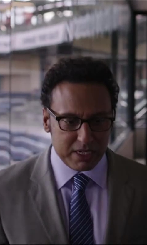 Aasif Mandvi with BOSS HUGO BOSS 'Jenno' Slim Fit Herringbone Dress Shirt in Million Dollar Arm