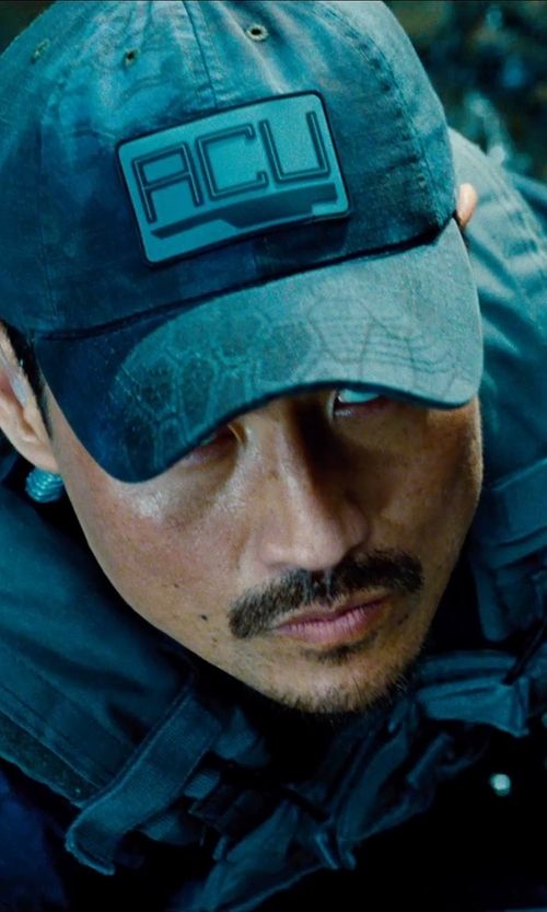 Brian Tee with Motorola Solutions Water-Resistant Two-Way Business Radio in Jurassic World