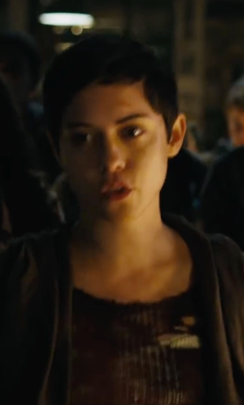 Rosa Salazar with Ecote Carla Raw-Edged Ribbed Sweater in Maze Runner: The Scorch Trials