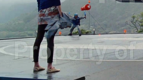 Lauren Lapkus with Lot 78 Casual Pants in Jurassic World
