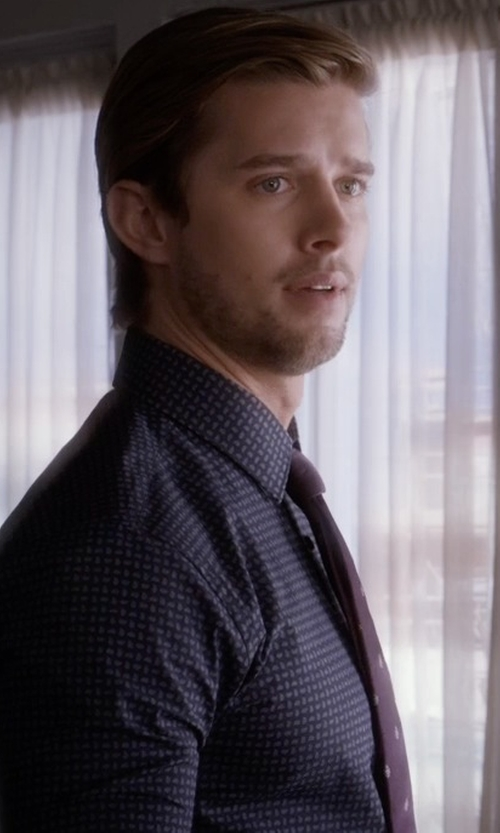 Drew Van Acker with Todd Snyder White Label Medallion Silk Tie in Pretty Little Liars