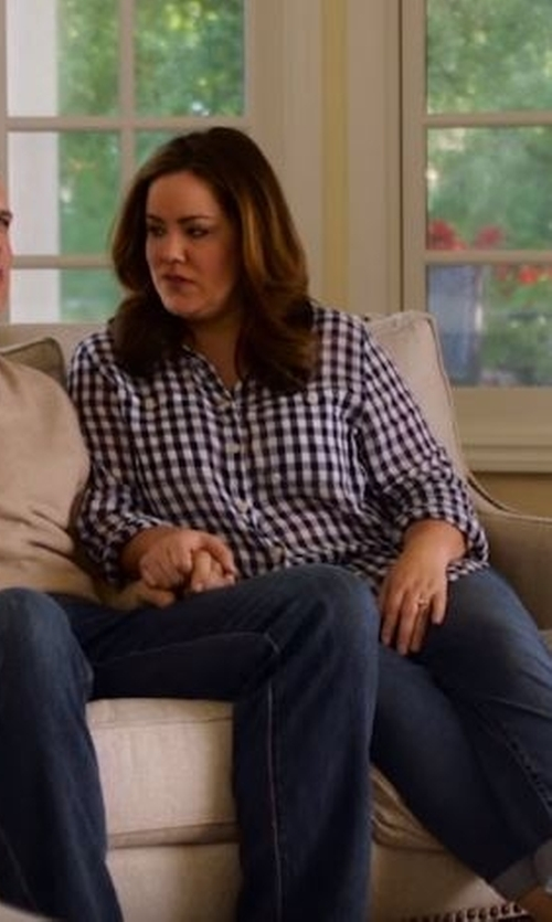 Katy Mixon with Eloquii Stretch Perfect Shirt in American Housewife