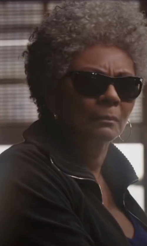 Leslie Uggams with The North Face Apex Bionic Jacket in Deadpool