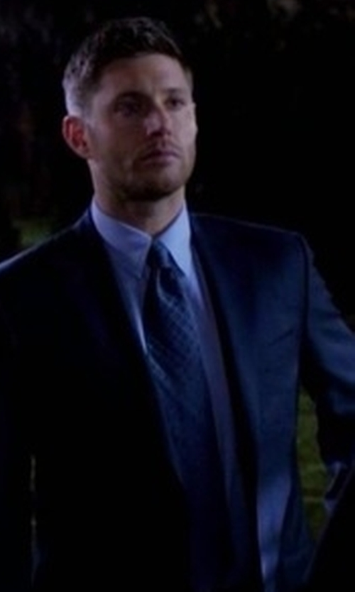 Jensen Ackles with John Varvatos Noil Silk Diamond Tie in Supernatural