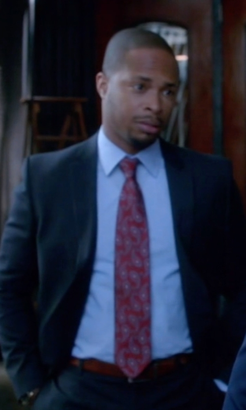 Columbus Short with Nordstrom 'Boardroom' Silk Tie in Scandal