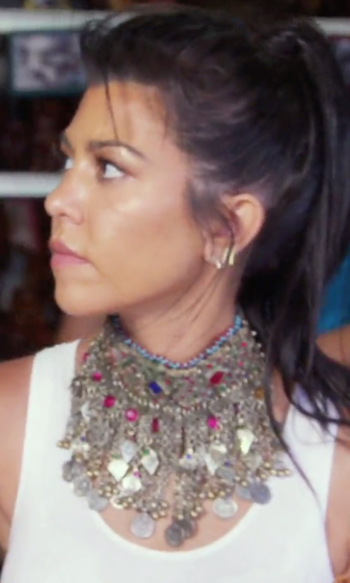 Kourtney Kardashian with Enora Jewelled Choker Necklace in Keeping Up With The Kardashians
