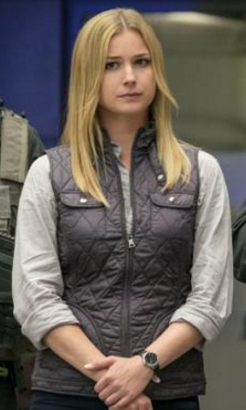 Emily VanCamp with Banana Republic Quilted Vest in Captain America: Civil War