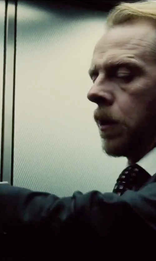 Simon Pegg with Samsung Galaxy S6 Smartphone in Mission: Impossible - Rogue Nation