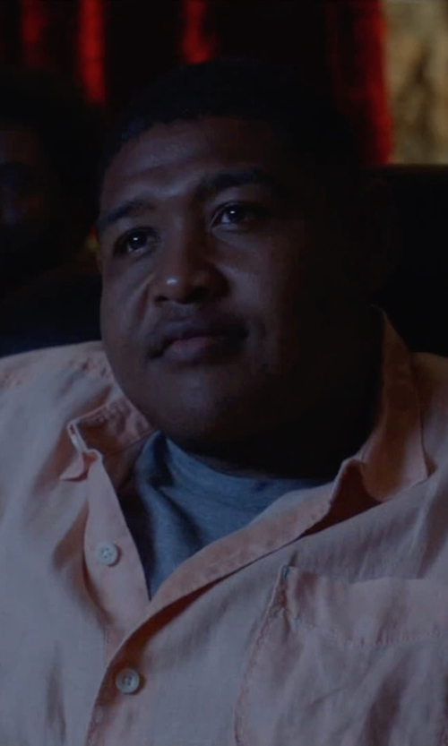 Omar Benson Miller with Save Khaki United Heather T-Shirt in Ballers