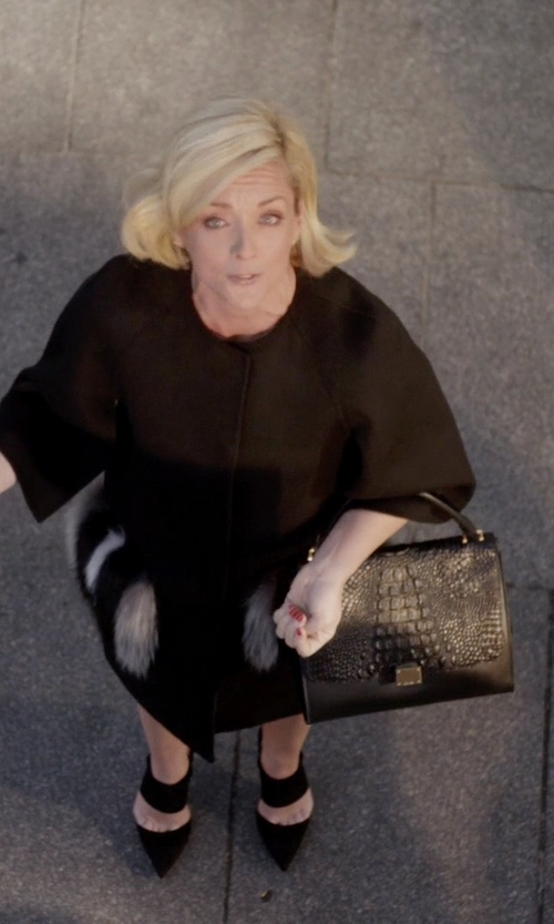 Jane Krakowski with Celine Medium Trapeze Handbag in Black Stamped Crocodile Nubuck Calfskin in Unbreakable Kimmy Schmidt