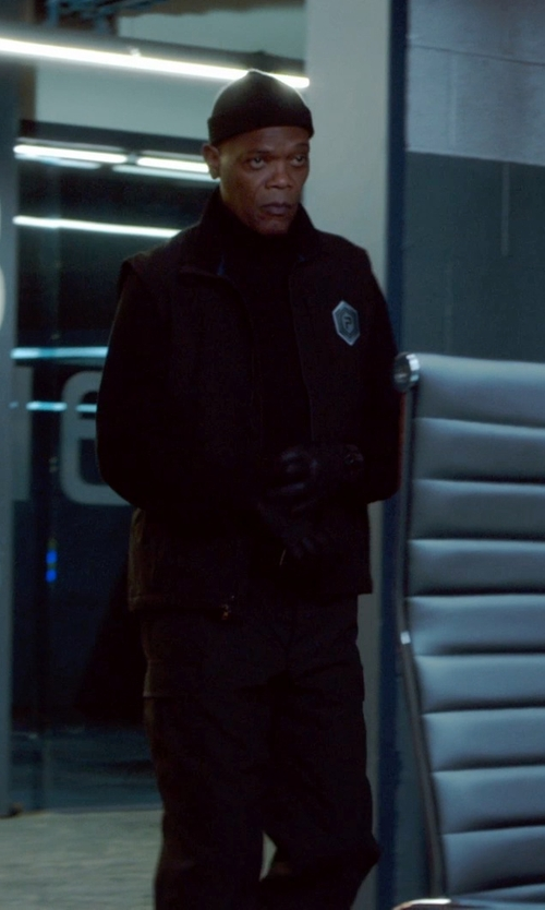 Samuel L. Jackson with Original Penguin 'Vincent' Knit Beanie in Barely Lethal