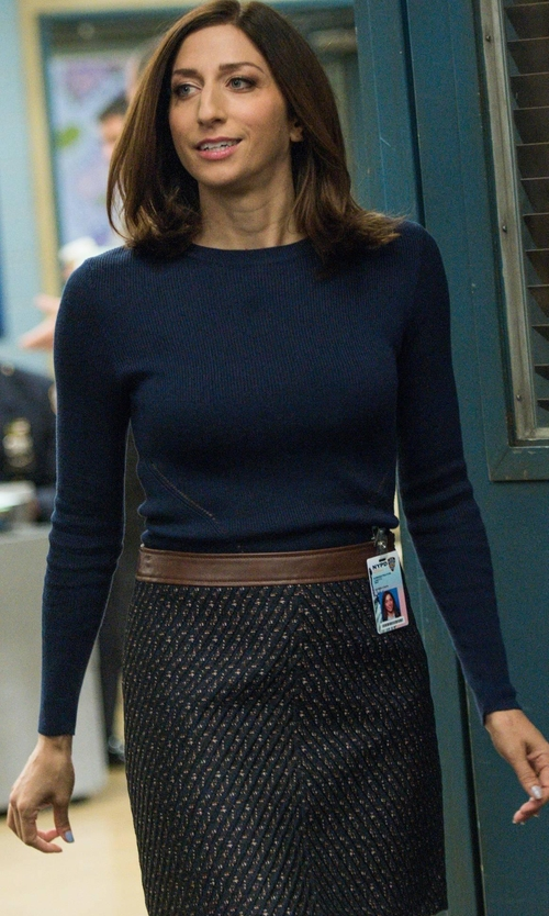 Chelsea Peretti with Theory Lanitta Heighten Skirt in Brooklyn Nine-Nine