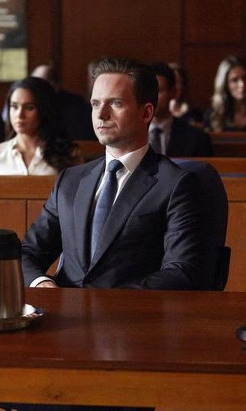 Patrick J. Adams with Ermenegildo Zegna Classic Two Piece Suit in Suits