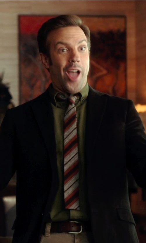 Jason Sudeikis with Docker's Men's Signature Khaki Relaxed Fit Flat Front Pants in Horrible Bosses 2