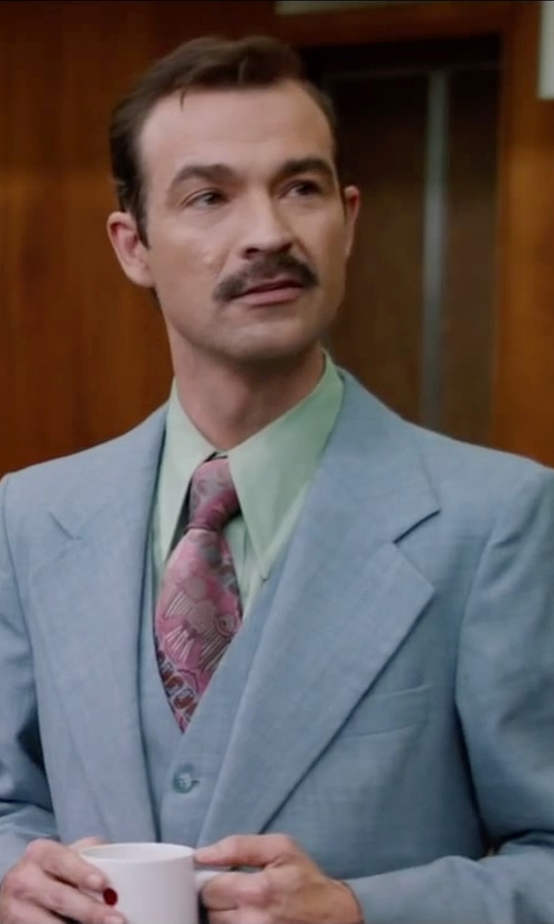 Matthew Stanton with Ken Scott Vintage Floral Print Tie in Anchorman 2: The Legend Continues