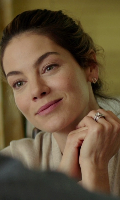 Michelle Monaghan with Sirena Diamond Cluster Engagement Ring in The Best of Me