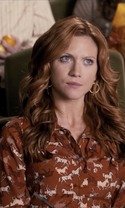 Brittany Snow with H&M Horse Print Tunic Shirt in Pitch Perfect