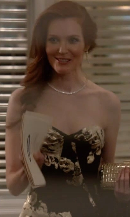 Darby Stanchfield with Gustavo Cadile Fall 2015 Strapless Gown in Scandal