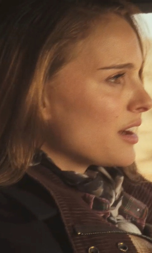Natalie Portman with Vince Camuto Women's Signature Scarf in Thor