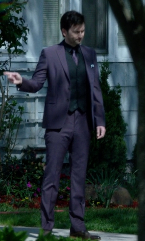 David Tennant with Tallia Solid Slim-Fit Suit in Jessica Jones