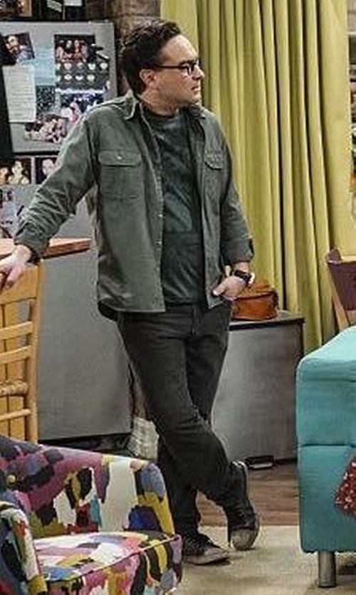 Johnny Galecki with Converse Chuck Taylor Tie Dye Canvas Sneakers in The Big Bang Theory