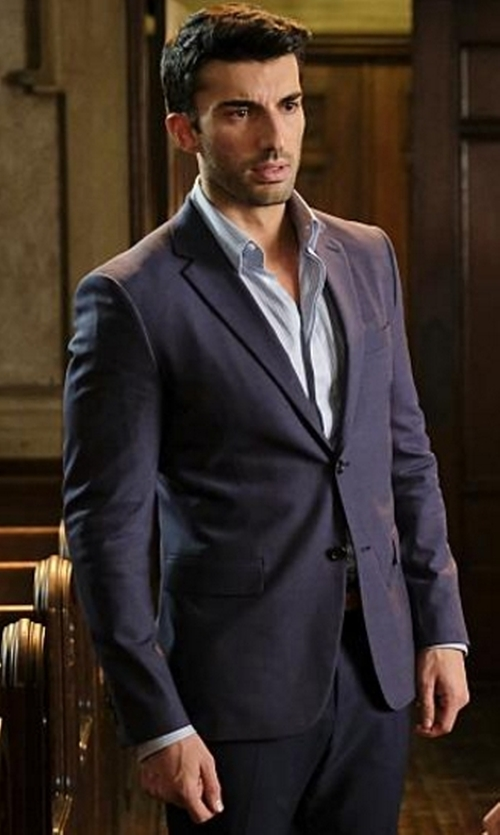 Justin Baldoni with Armani Collezioni M-Line Solid Two-Piece Wool Suit in Jane the Virgin