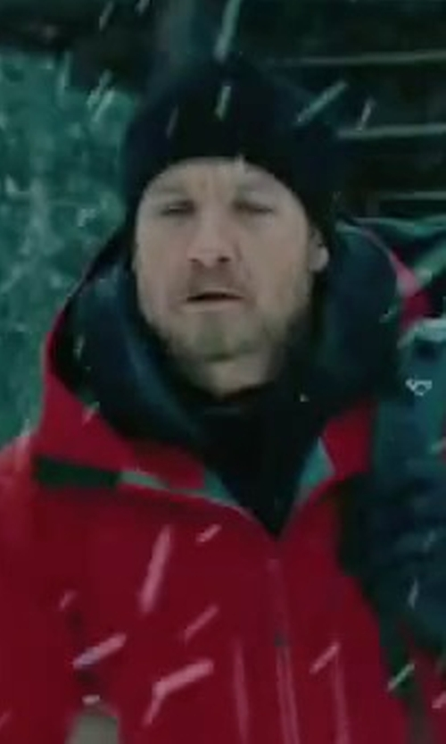 Jeremy Renner with Outdoor Research WinterTrek Hat in The Bourne Legacy