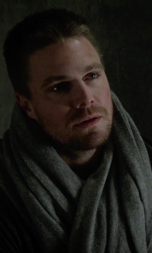 Stephen Amell with Calibrate Seed Stitch Wool & Cashmere Knit Scarf in Arrow
