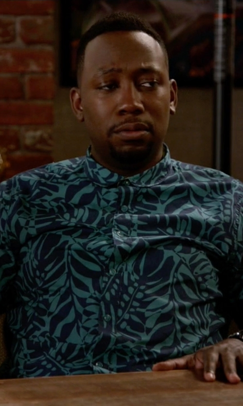 Lamorne Morris with Surfside Supply Print Short Sleeve Button Down Shirt in New Girl
