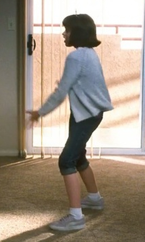 Joey King with Scotch R'Belle Cardigan in Crazy, Stupid, Love.